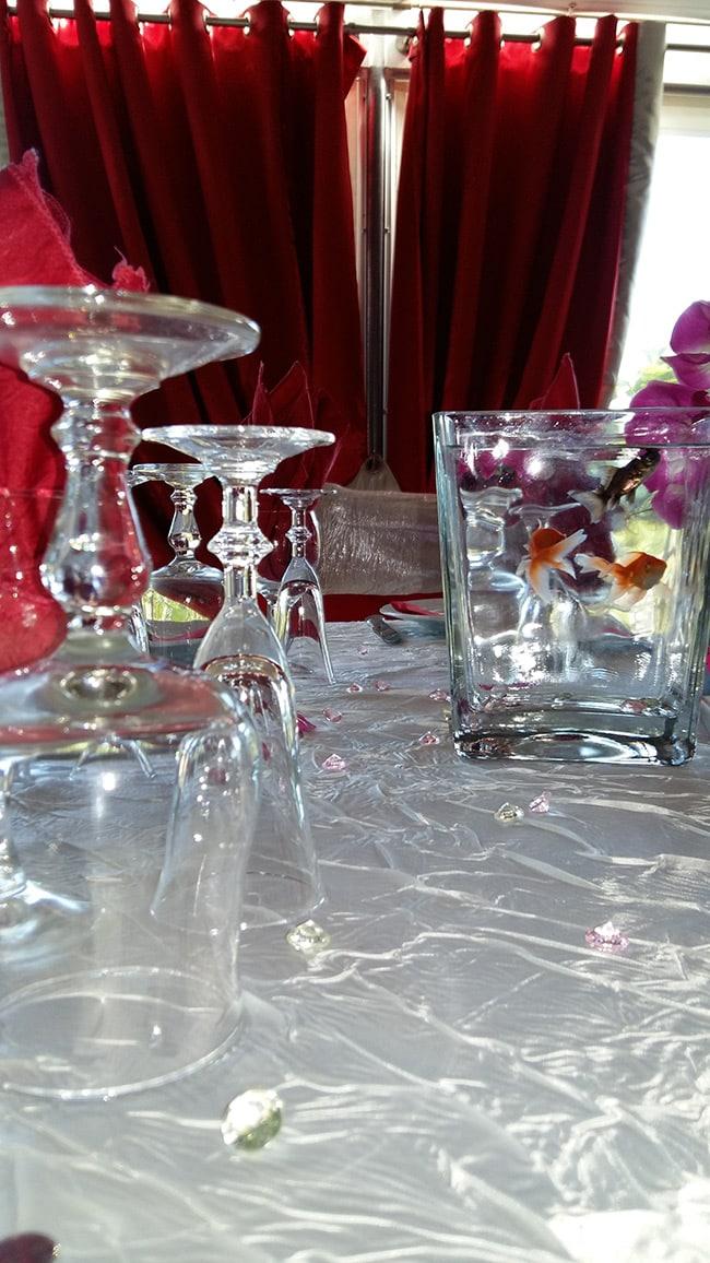 Photo d'une table décorée dans notre restaurant
